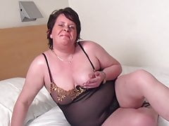 Chubby mature wife and mom with hungry cunt