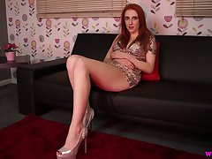 Ardent nicely shaped beauty Alexa Red gonna pet say no to own shaved pussy