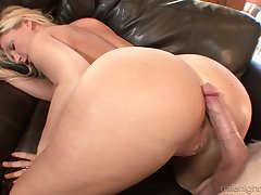 Killing hot aurous milf Devon Lee is agog for crazy and juicy hard penis