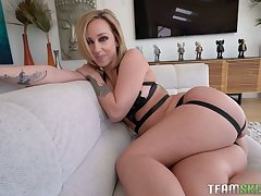 Meaty pussy be advisable for appetizing curvy MILF Jada Stevens is drilled from behind