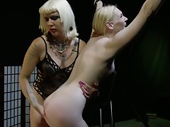 Horny fingering and wild pain in the neck slapping with voracious bitch Goddess Starla