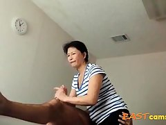 Asian Kneading Parlour Aged Asian Lady Makes Consumer Ejaculate